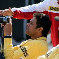 aakash-chopra-taking-picture