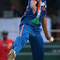 ashish-nehra-bowling